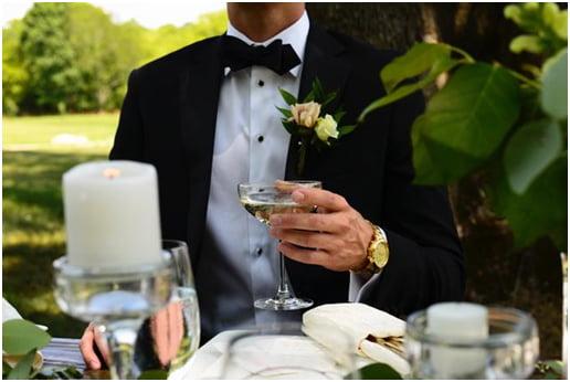 overdressed-proper-wedding-attire